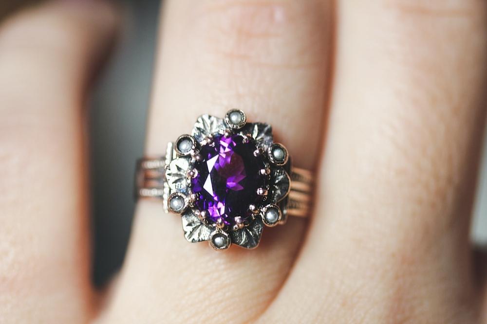 amethyst-seed-pearl-ring