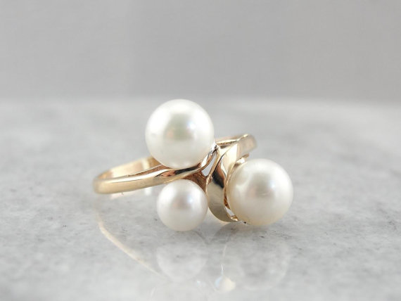 june-pearl-birthstone