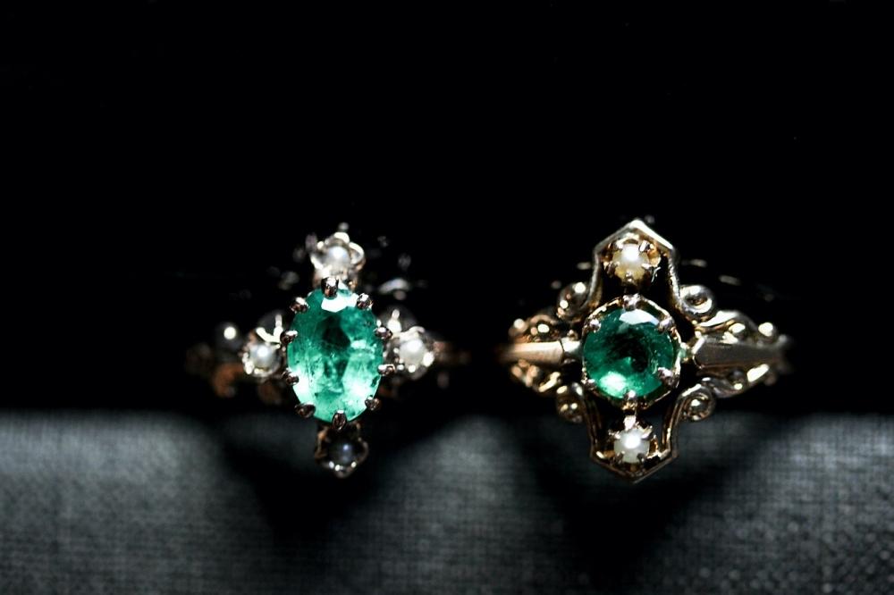 seed-pearl-emerald-rings