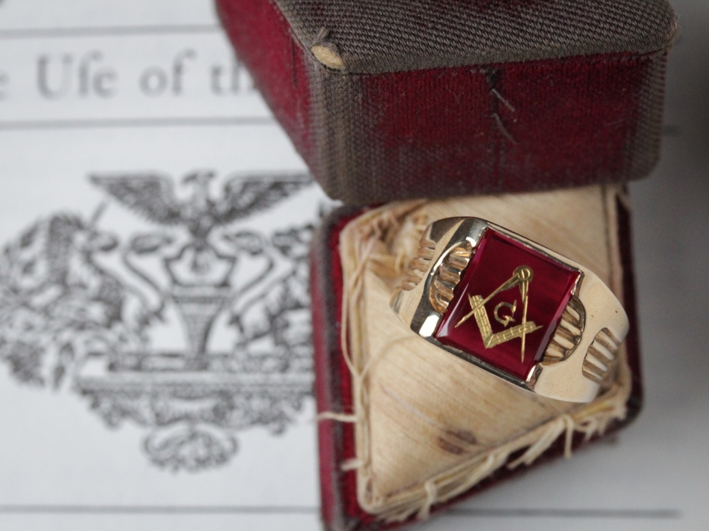 retro-masonic-ring