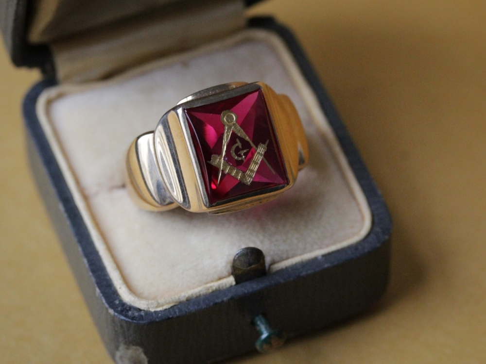 ruby-glass-masonic-ring