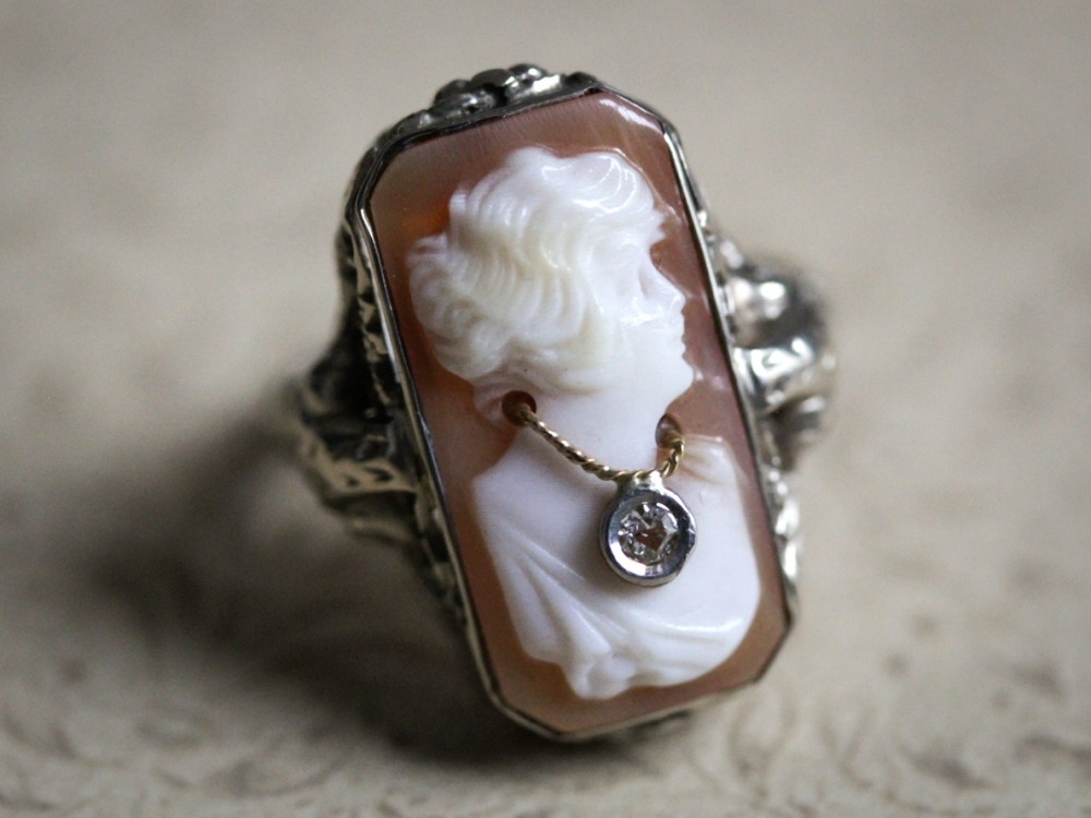 cameo-habille-ring