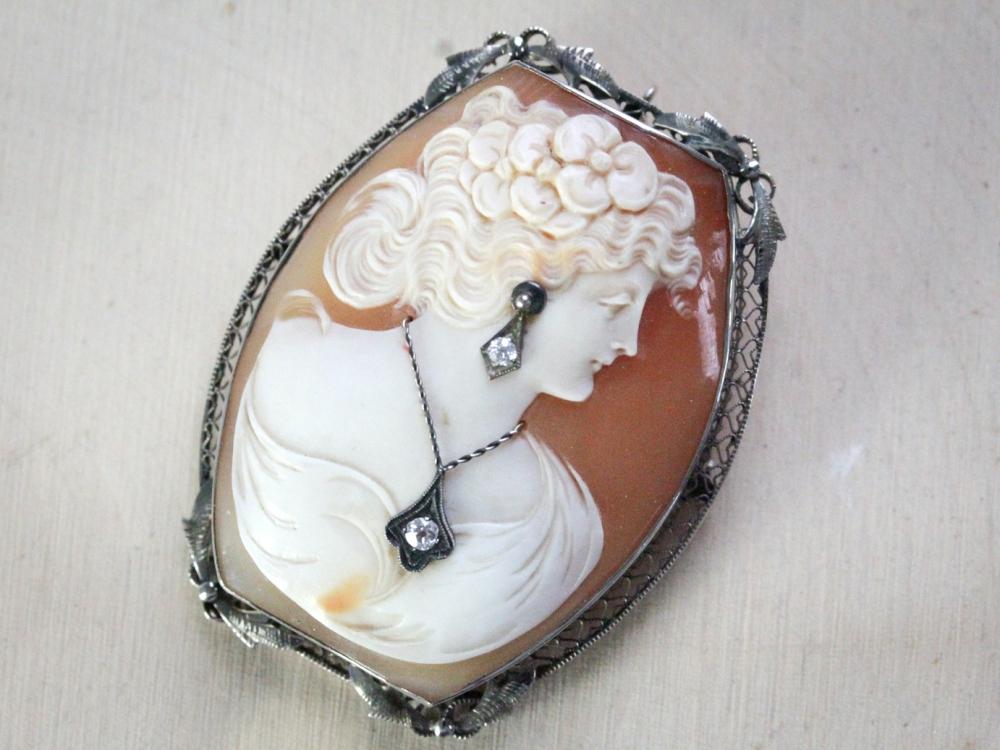 diamond-cameo-brooch