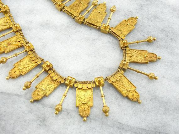 etruscan-revival-gold-necklace