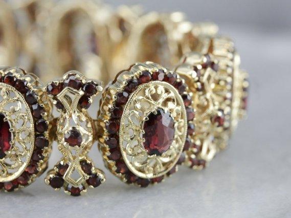 garnet-gold-bracelet