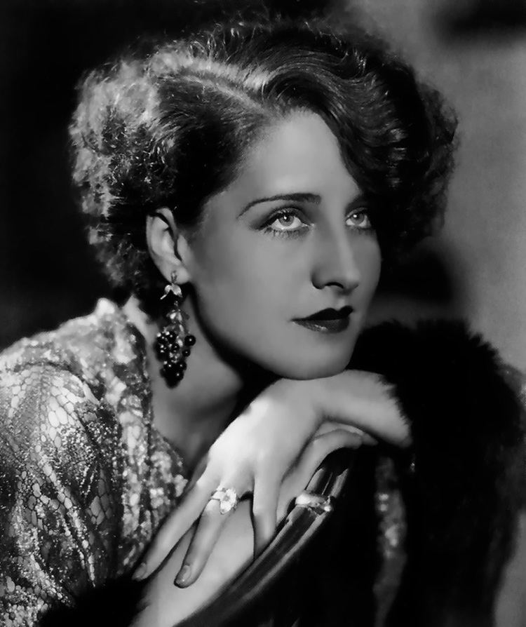 norma-shearer-3ced608a-a0ad-4a02-a1a5-93cd740152b-resize-750