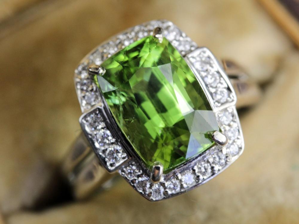 Vintage-Peridot-Ring-August-Birthstone0013
