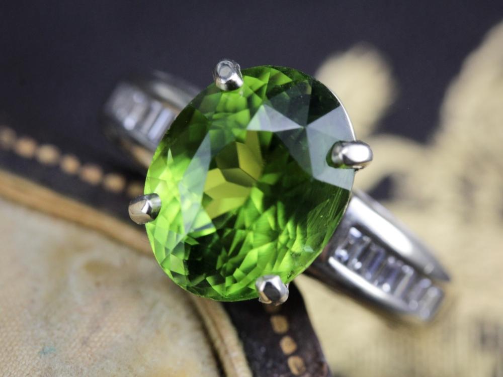 Vintage-Peridot-Ring-August-Birthstone0014