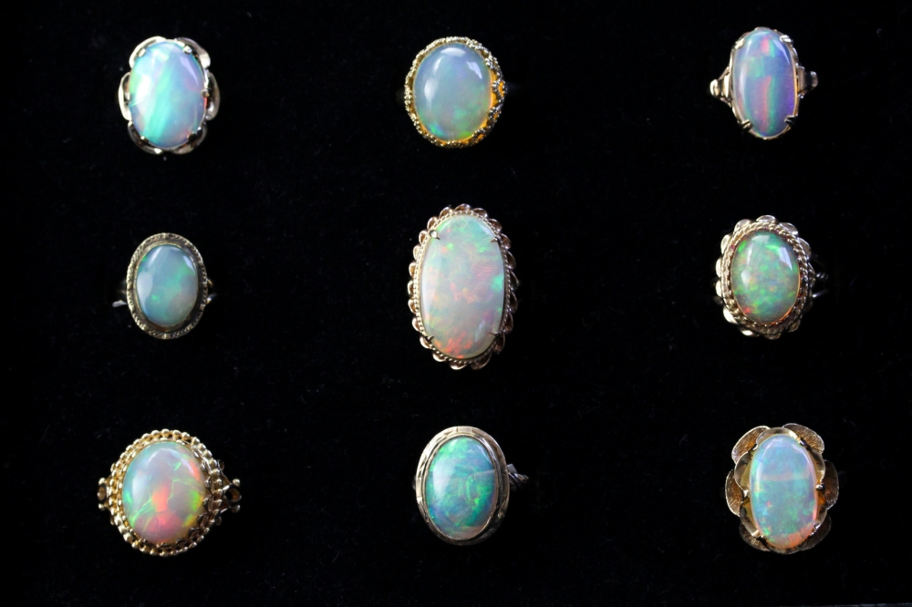 why opals are considered unlucky