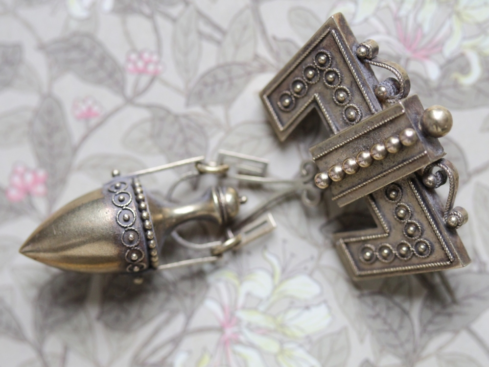 Victorian mourning jewelry urn brooch