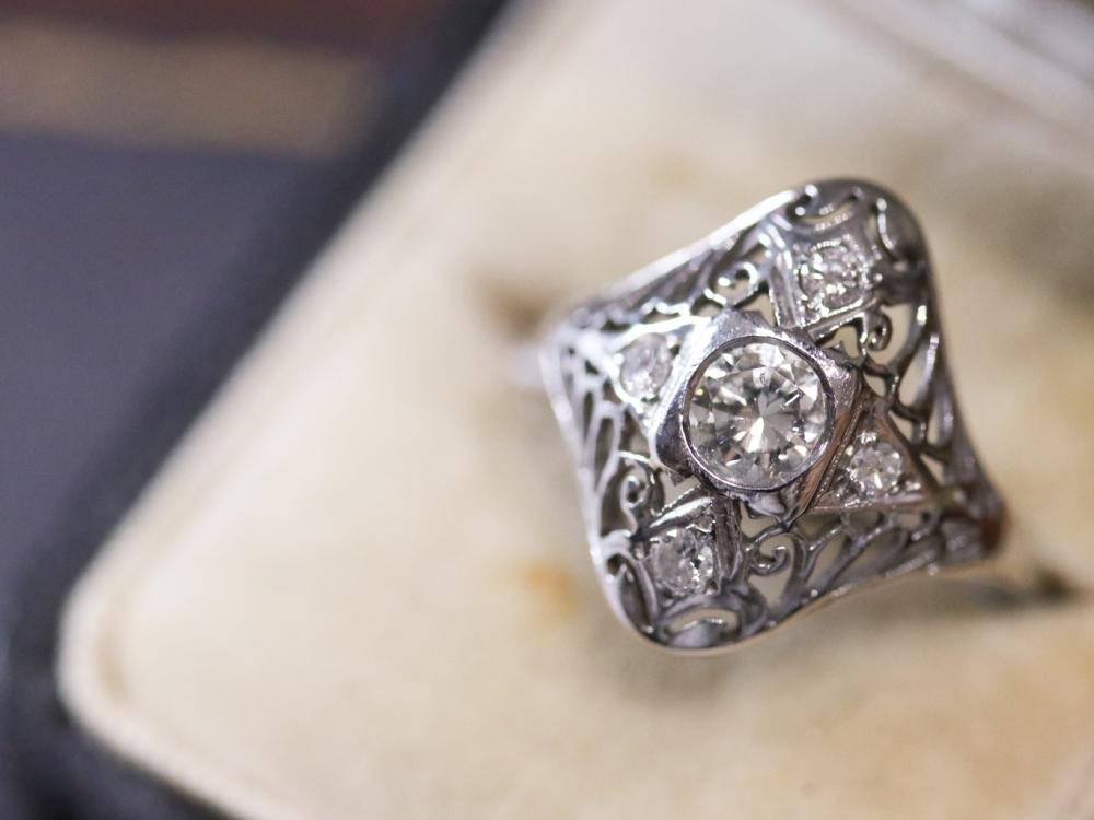 Art Deco Diamond filigree white gold dinner ring