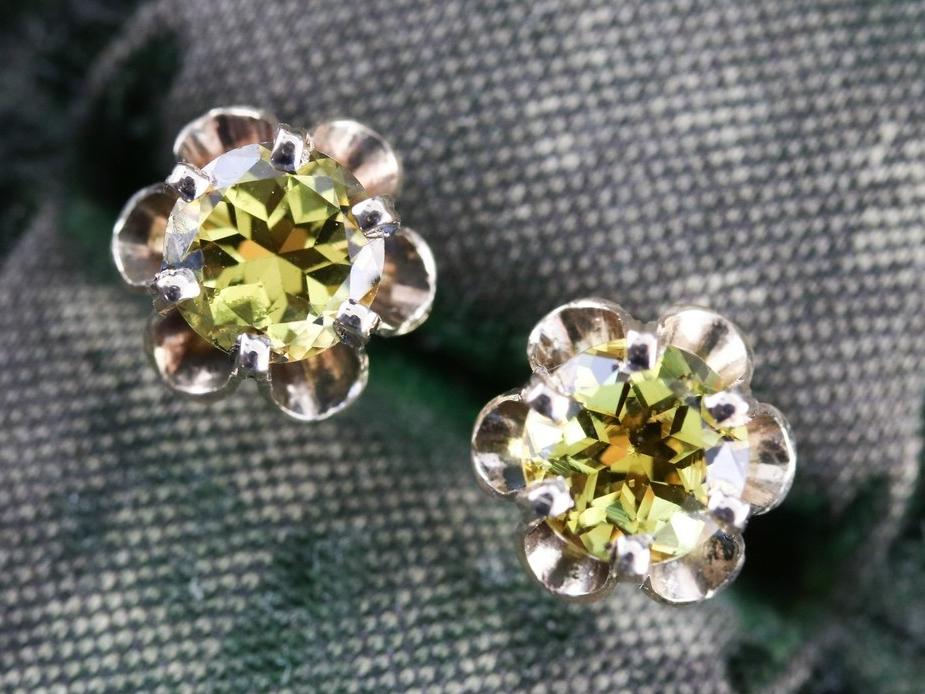 Mali garnet earrings